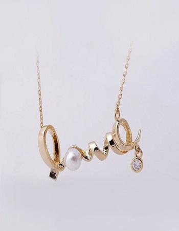 گردنبد Love - گردنبند شیک - هدیه ای خاص - خرید گردنبند - زیورآلات زنانه